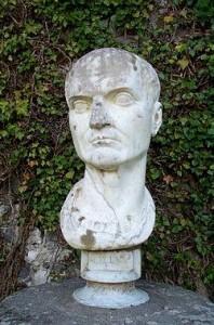 Mecenate curava il rapporto tra gli artisti e il Principato.