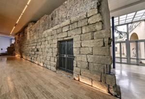 Lacerti delle Fondazioni del Tempio di Giove Ottimo Massimo, cosiddetto Muro Romano, VI secolo a.C., Roma