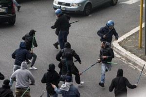 Italy's Cup: a supporter of Napoli hurted by a gun shot before Napoli-Fiorentina