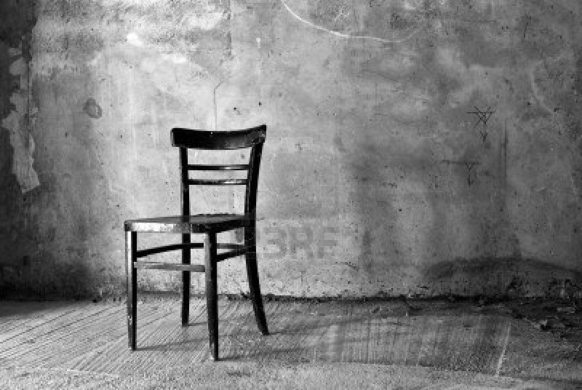 La sedia davanti alla finestra uni info news - La finestra biz opinioni ...