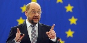 epa03063535 Martin Schulz, the newly elected President of the European Parliament speaks to the MPs in Strasbourg, France, 17 January 2012. The European Union's legislature elected German Socialist Martin Schulz as its new president, as part of a routine deal between the European Parliament?s two largest political groups to share its top post. Schulz replaces former Polish prime minister Jerzy Buzek of the European People's Party - the group with the most EU lawmakers - who led the legislature for the first two-and-a-half years of its 2009-14 term. Schulz will lead the assembly until the next election in 2014. EPA/PATRICK SEEGER  +++(c) dpa - Bildfunk+++