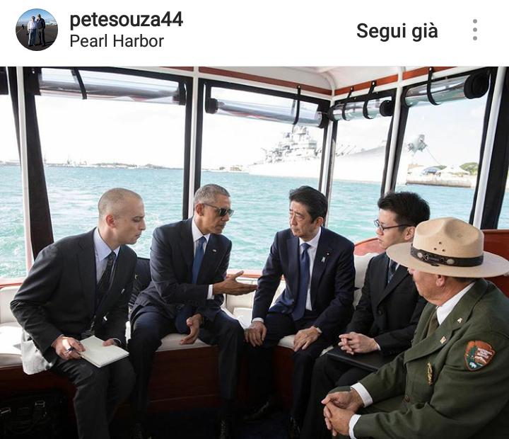 Obama con il Primo Ministro giapponese Abe e gli interpreti.