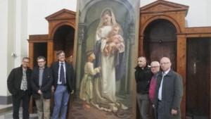 """I rappresentati del comitato """"Torniamo alla bellezza"""" il giorno dell'inaugurazione della pala della Madonna del Soccorso, aprile 2016. Foto tratta da la settimanalivorno.it"""